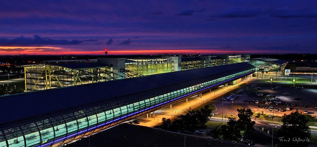 Mall und Checkin vom Flughafen Leipzig